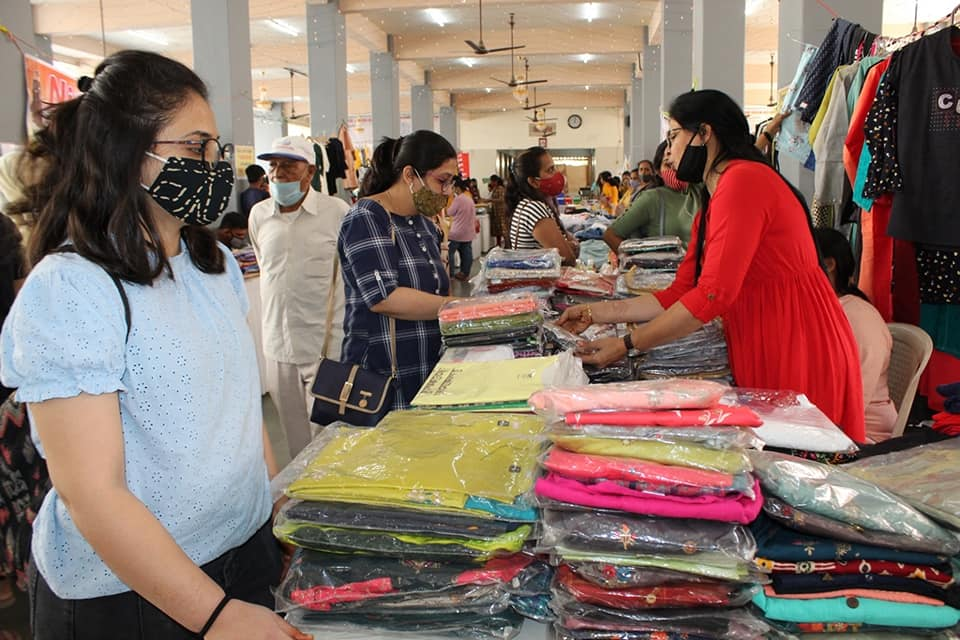 Inauguration of 'Atmanirbhar Mahila Abhiyan Exhibition-2' by SGCCI Ladies Wing and Surat Olpad Choryasi Kadwa Patidar Samaj